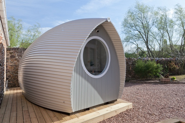 The Armadilla - use as a garden room, office, or even a room to sleep two